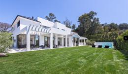 詹皇斥2300万购洛城豪宅 美媒:把买房天赋带到LA