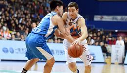 上海14分胜青岛搭季后赛末班车 上海弗雷戴特砍49+5
