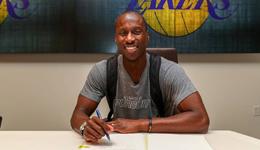 32岁老后卫获湖人暖心合同 头发都白了终圆NBA梦