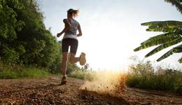 跑步提升速度增强自信 跑者不应逃避山坡训练