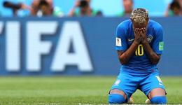 gif动图回顾巴西绝杀 大起大落内少赛后掩面痛哭
