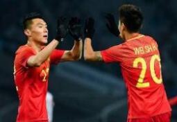 国足选拔队对韩国0次射正 李铁:数据很难评价比赛