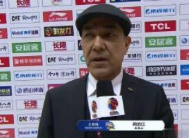 阿的江狂赞周琦:世界杯个别表现不代表他不行