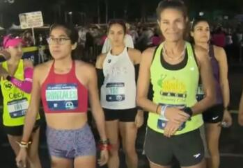美国洛杉矶马拉松如期开跑,2.7万人参加