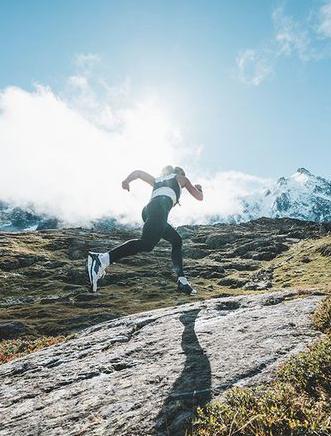 选对跑鞋重视力量训练 越野跑的5个技巧