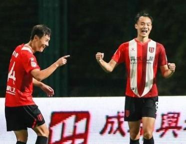 成都蓉城12胜5平积41分领跑 刘若钒11球列射手榜第三