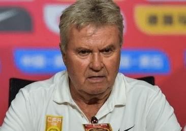 74岁荷兰老帅希丁克宣布退休,结束34年教练生涯