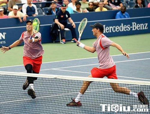 美网男双西班牙组合进四强 布莱恩兄弟遭遇淘汰