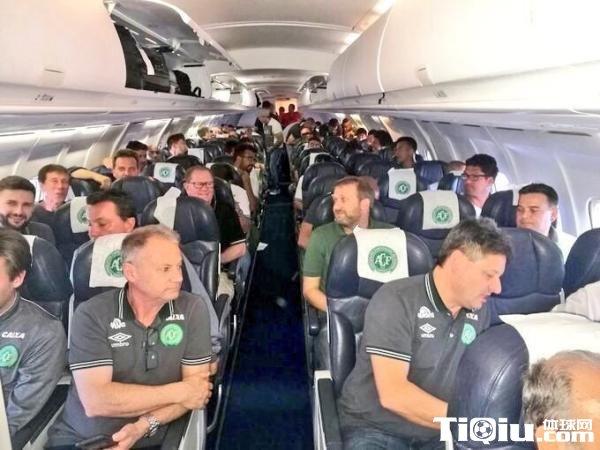 巴西球队飞机坠毁 迄今已有5支足球队遭遇空难