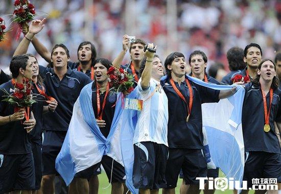 奥运足球冠军_2008奥运会足球冠军 历届奥运会足球冠军一览_体球网