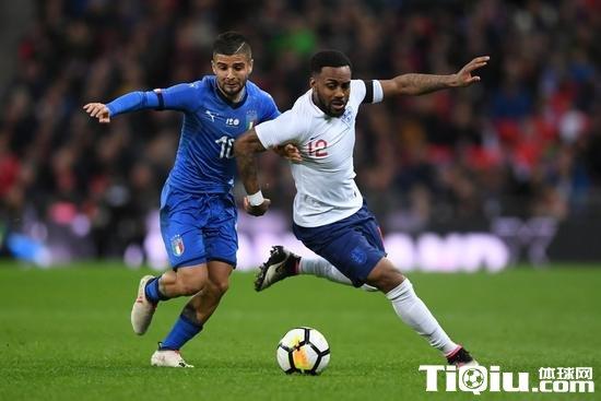 足球***瓦尔迪破门因西涅点射 热身赛-英格兰1-1意大利
